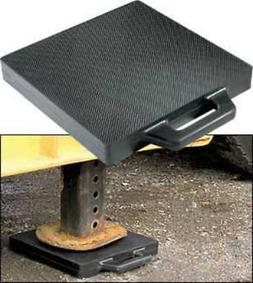 BUYERS PRODUCTS 3MHD8 Outrigger Pad, 18 x18 x 2 In.